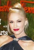 Platinata e con ciuffo a banana: molto rock il raccolto di Gwen Stefani