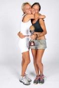 Le gemelle Giulia e Silvia Provvedi, in arte le Donatella, hanno sbaragliato tutti gli altri avversari dell'Isola dei Famosi 2015 puntando sulla loro energia e complicità